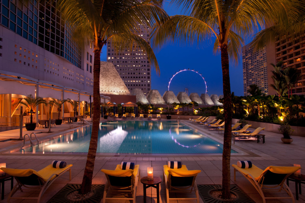 Conrad Centennial Hotel Singapore Swimming Pool