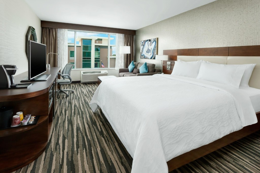 Hilton Garden Inn Palo Alto King Guest room
